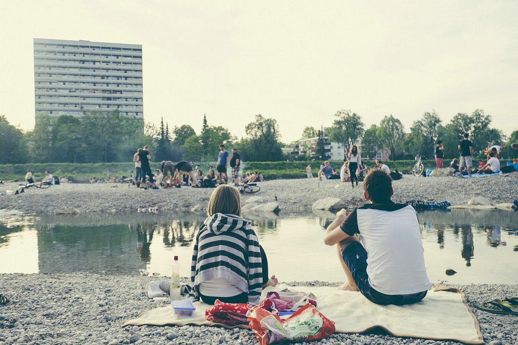 .::Munich Riverside::.
